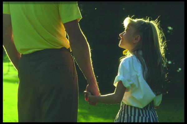 家庭人物图片-人物图 父女情深