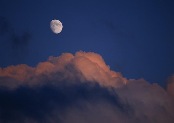 夜晚 月亮 天空 蓝天白云-自然风景-自然风景,蓝天白云