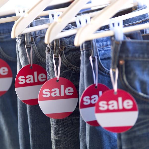时尚购物图片-生活图 裤子店 衣架 牛仔裤,生活