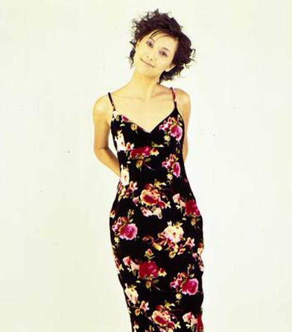 大陆明星时装图片 服装设计图 性感 吊带 美女