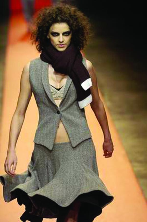服装设计-sao paul 女装冬季新品发布 展览 设计 形体