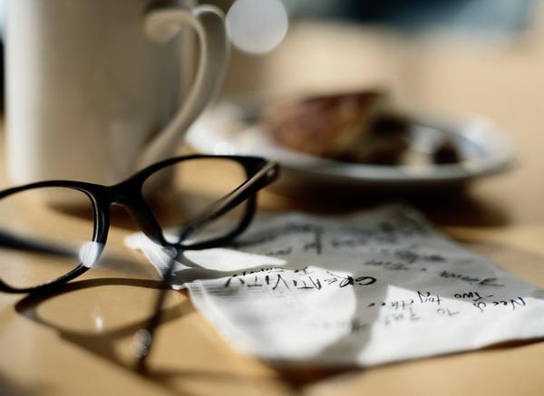 眼镜 纸张 烟灰缸 现代商务图片 商业金融图,商业类,现代商...