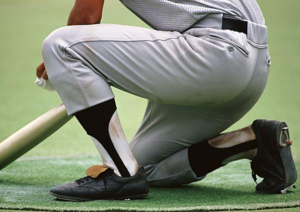 比赛运动图片-运动图 单膝跪地图片