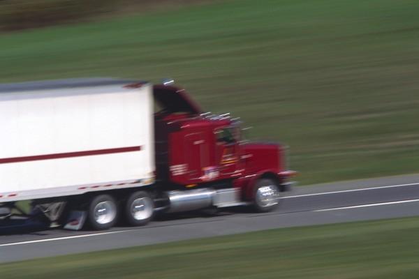 风景-道路 路面 车速 大型货车