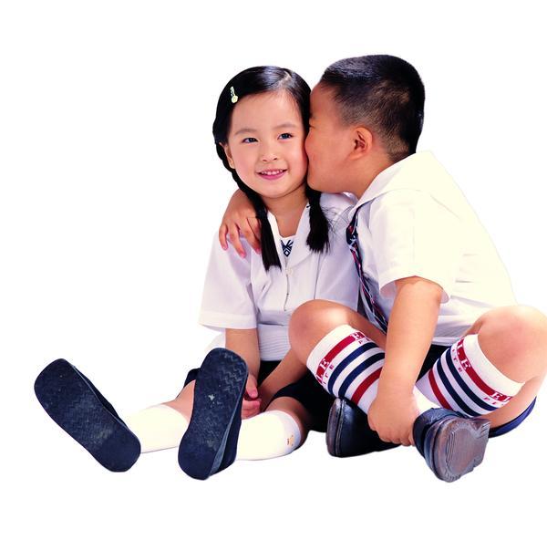 早恋接吻_初中生早恋接吻图片_小学生早恋接吻视频 ...