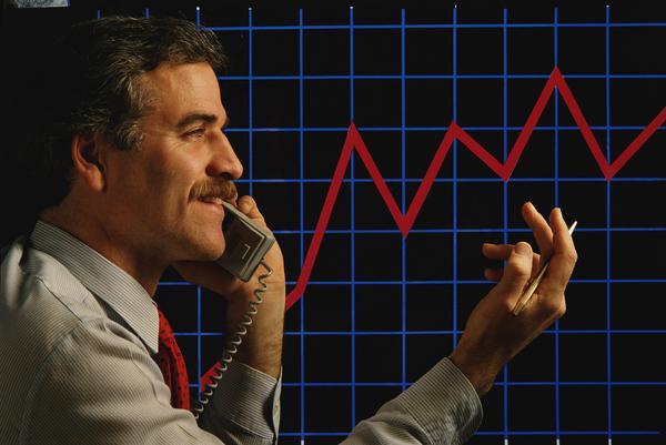 股市指数上升 证券经纪人图片